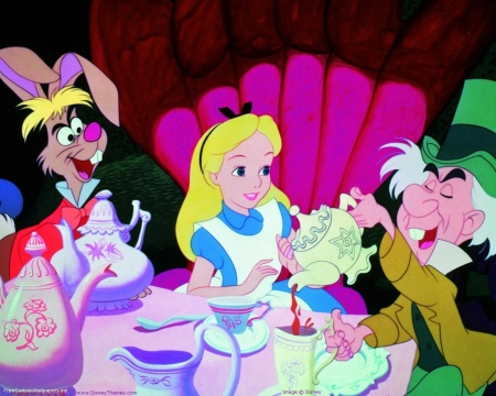 Epic Disney Watchfest 13: Alice in Wonderland and The Emperor's New Groove: A Wondrous and Groovy Review