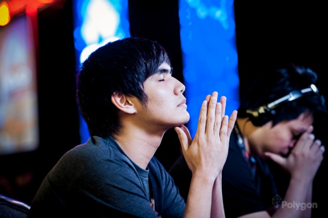 Xian getting focused at EVO 2013.